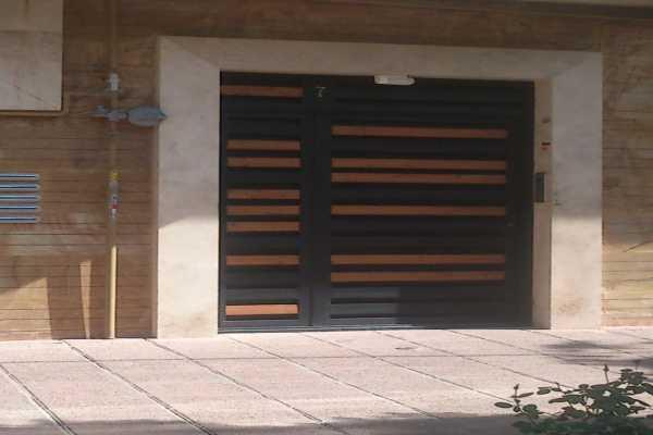 درب فلزی بسیار شیک و زیبا مناسب برای ورودی حیاط , پارکینگ و ساختمان کد ۱۱۲