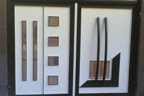 درب فلزی بسیار شیک و زیبا مناسب برای ورودی ساختمان , پارکینگ و حیاط کد ۱۲۱