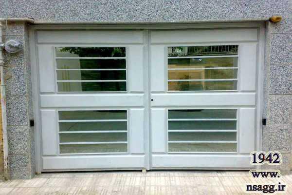 درب فلزی بسیار ساده ولی زیبا و شیک مناسب برای ورودی پارکینگ , حیاط و ساختمان کد ۱۳۹