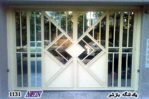 درب فلزی یک لنگه بازشو بسیار زیبا و ساده مناسب برای ورودی ساختمان , حیاط و پارکینگ کد ۱۷۸