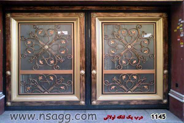 درب فلزی خیلی شیک و زیبا با گلهای فرفوژه مناسب برای ورودی ساختمان و حیاط کد ۱۸۶