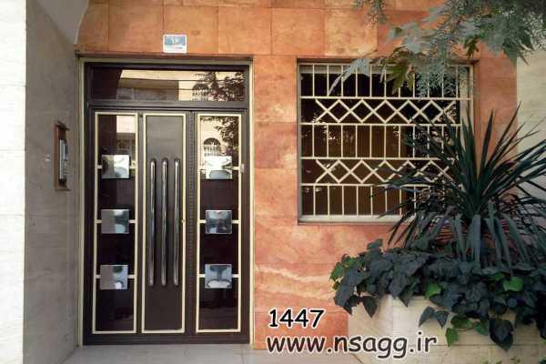 ست فلزی درب و حفاظ پنجره خیلی زیبا و شیک مناسب برای درب ورودی حیاط , درب نفر رو و درب ورودی راه پله کد ۲۴۶