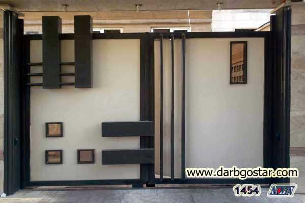 درب فلزی بسیار شیک و به روز و ساده  با طرح های برجسته مناسب برای ورودی ساختمان و حیاط کد ۲۴۹