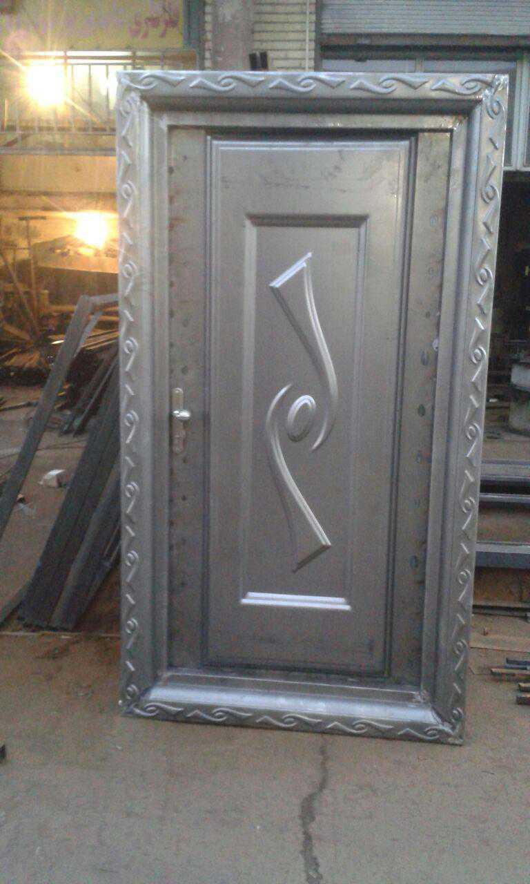 درب فلزی نفر رو