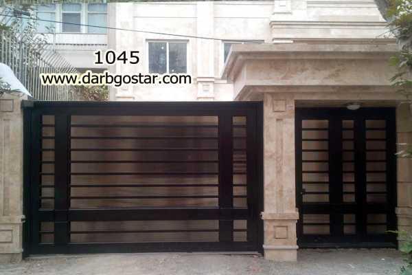 ست درب فلزی ورودی ساختمان یا پارکینگ و ورودی نفر رو بسیار ساده و شیک با پس ضمینه ی تور مناسب برای ورودی ساختمان , حیاط و پارکینگ کد ۸۹