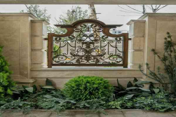 نمونه مدل شیک از حفاظ فلزی فرفروژه مناسب برای باغ و ویلا کد 457