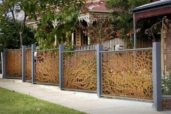 طرح جدید حفاظ فلزی بسیار شیک و مقاوم جایگزین مناسبی برای فنس جهت حفاظ کشی اطراف باغ و و ویلا کد 464