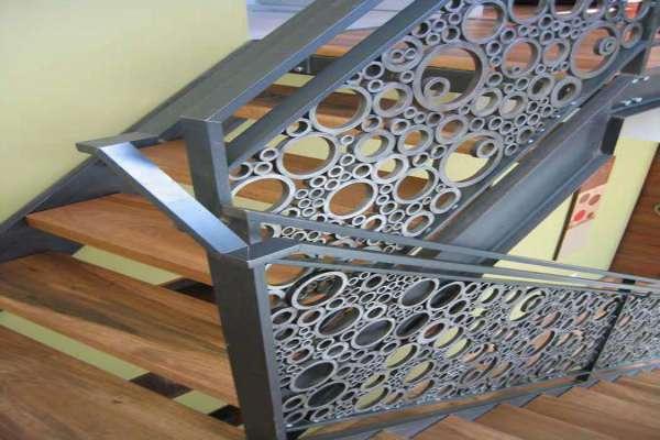 مدل جدید از حفاظ فلزی راه پله بسیار شیک و منحصر به فرد در عین حال مقاوم کد 466