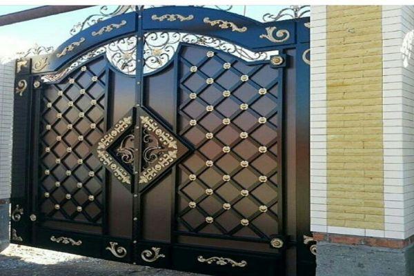 درب ورودی سلطنتی با طرحی مانداگار و شیک دو لنگه مناسب برای ورودی باغ یا ساختمان کد 477